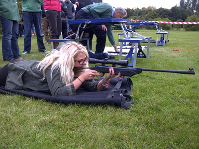 Hen Air Rifle Target Shooting
